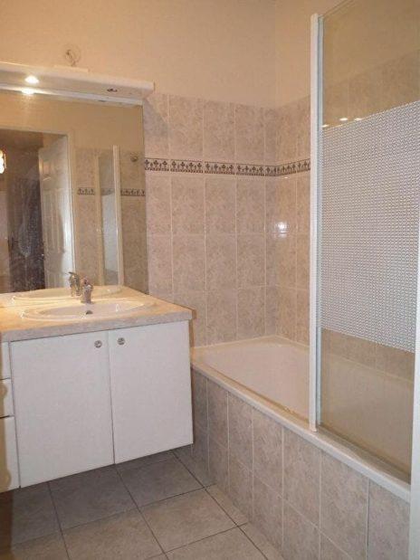 alfortville appartement location: 3 pièces 63 m², salle de bains standing avec baignoire