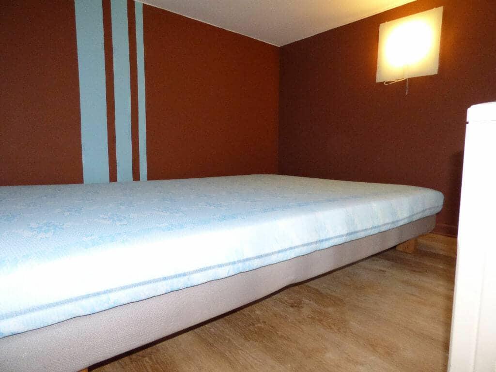 location appartement 94: 2 pièces 21 m², chambre à coucher, très bon état