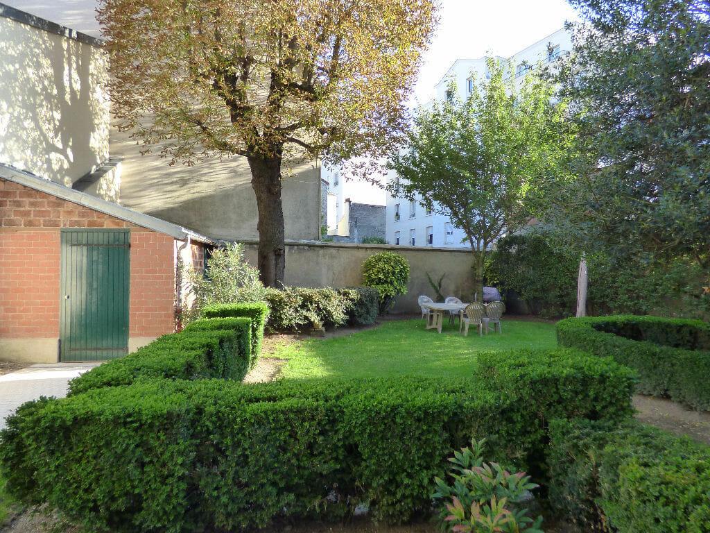 faire gerer charenton le pont: 2 pièces 21 m², immeuble calme, vue sur jardin