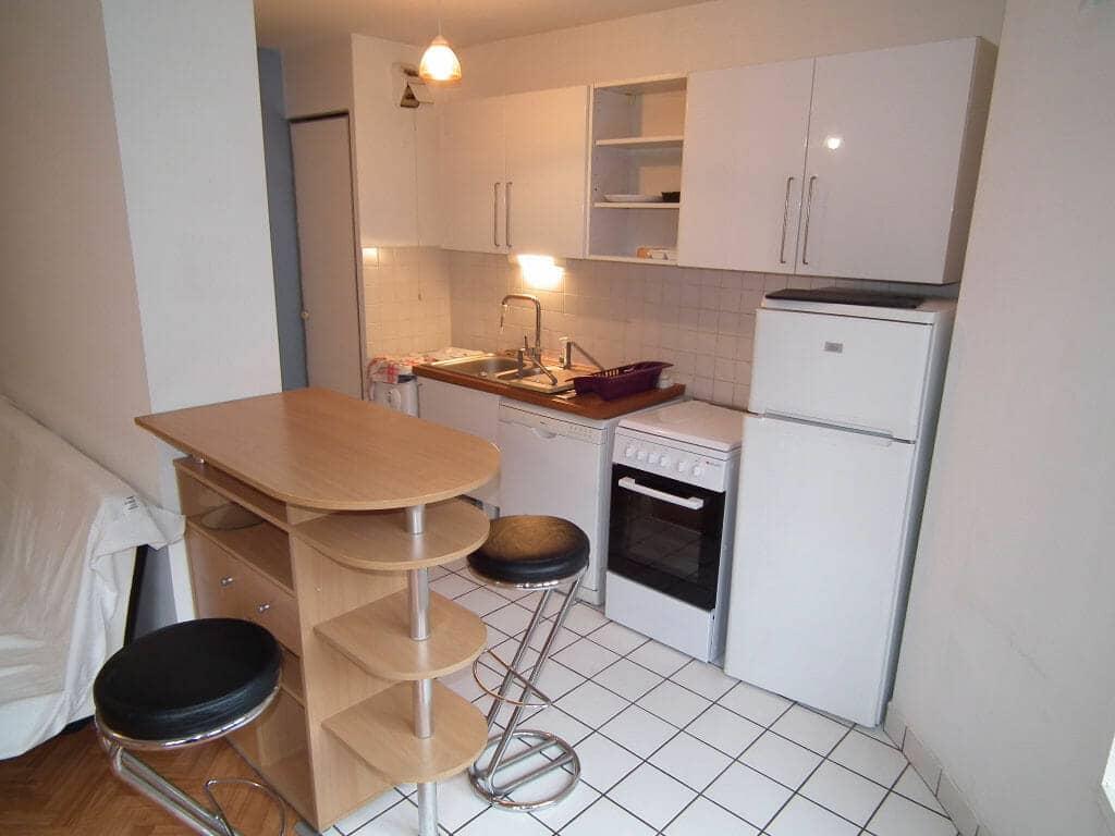 location charenton le pont: studio 35 m², cuisine ouverte aménagée et équipée