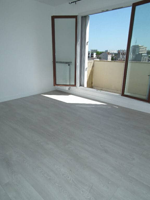 agence location immobiliere: alforville, studio 27 m² - balcon - parking et cave