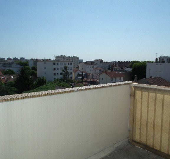 immobilier 94: alfortville, studio 27 m², balcon dans la pièce principale, vue dégagée