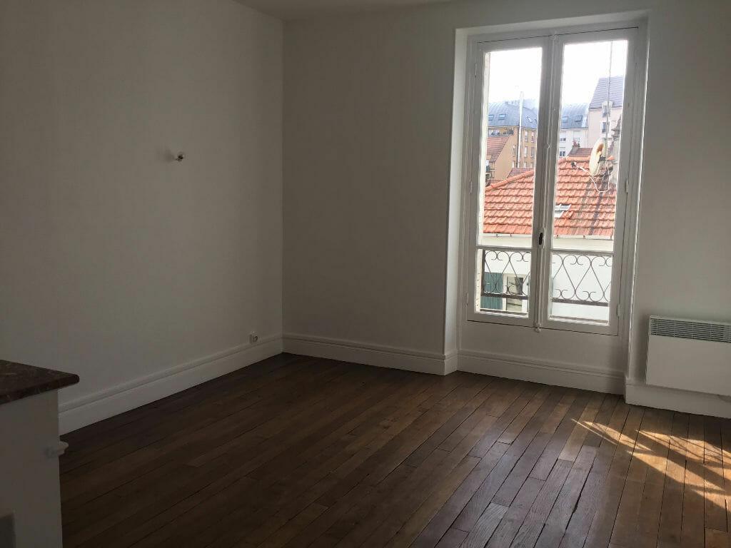 location appartement val de marne: 2 pièces 50 m², chambre avec parquet