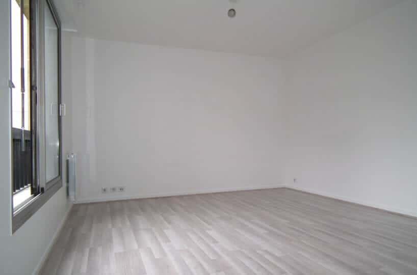 location charenton le pont: studio 27 m², refait à neuf, immeuble de standing
