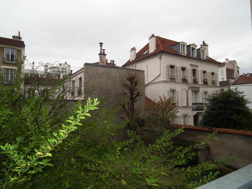 agence de la mairie charenton: studio 27 m², vue dégagée du 1° étage sur 5, ascenseur