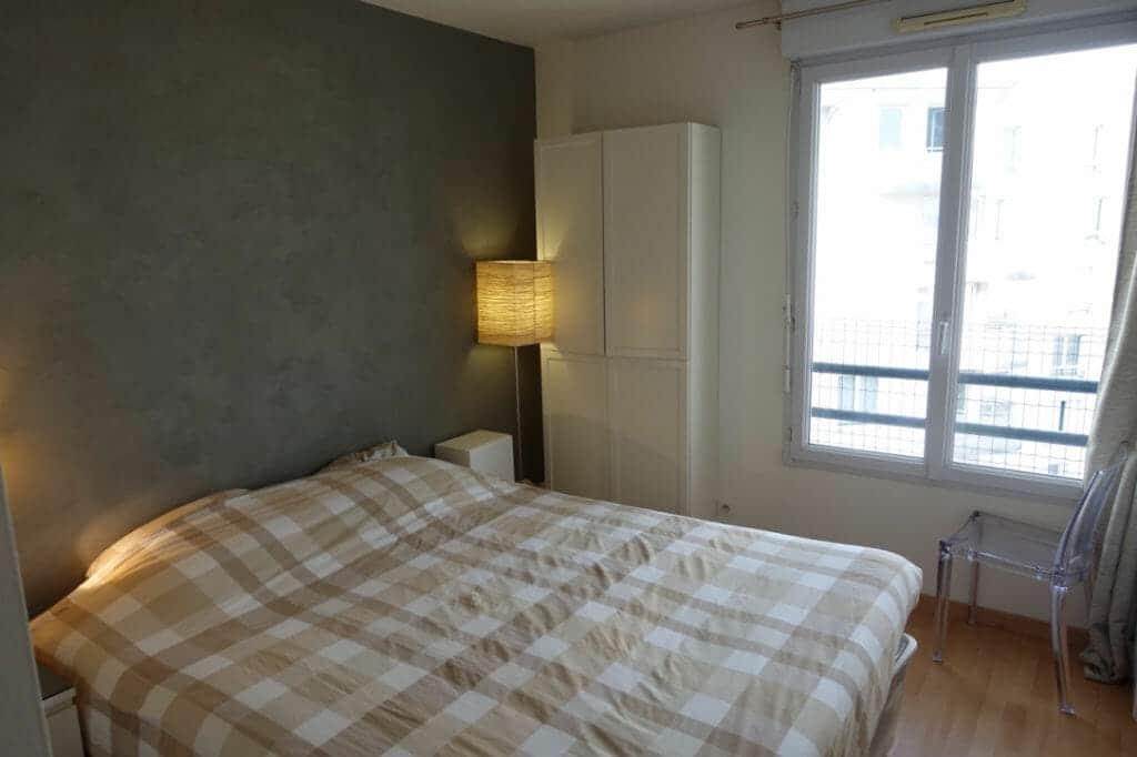 agence location immobiliere: 3 pièces 64 m², 2° chambre avec nombreux rangements