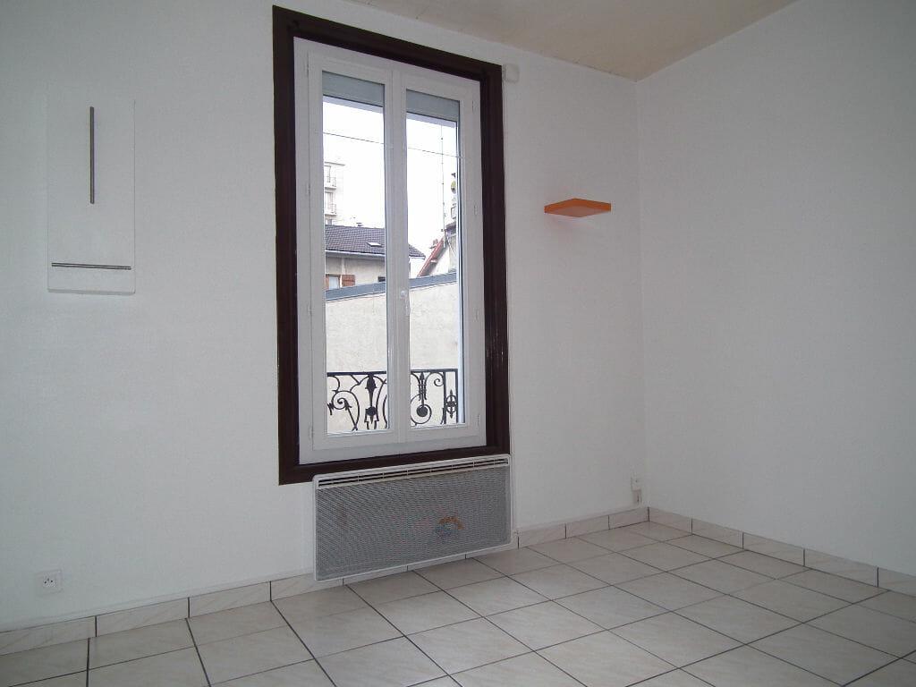 valerie immobilier alfortville: appartement 2 pièces 31 m², séjour, sol carrelé