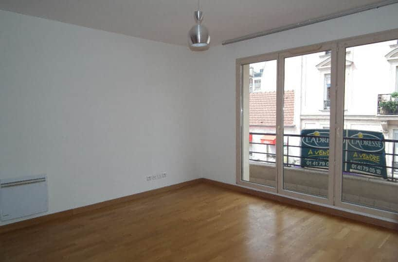 agence immo alfortville: appartement 3 pièces 55 m², pièce à vivre avec accès balcon