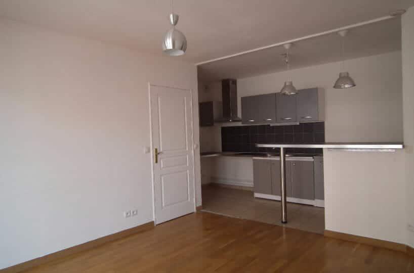 valérie immobilier - appartement 3 pièces 55.45 m² + balcon + parking - annonce G377 - photo Im02
