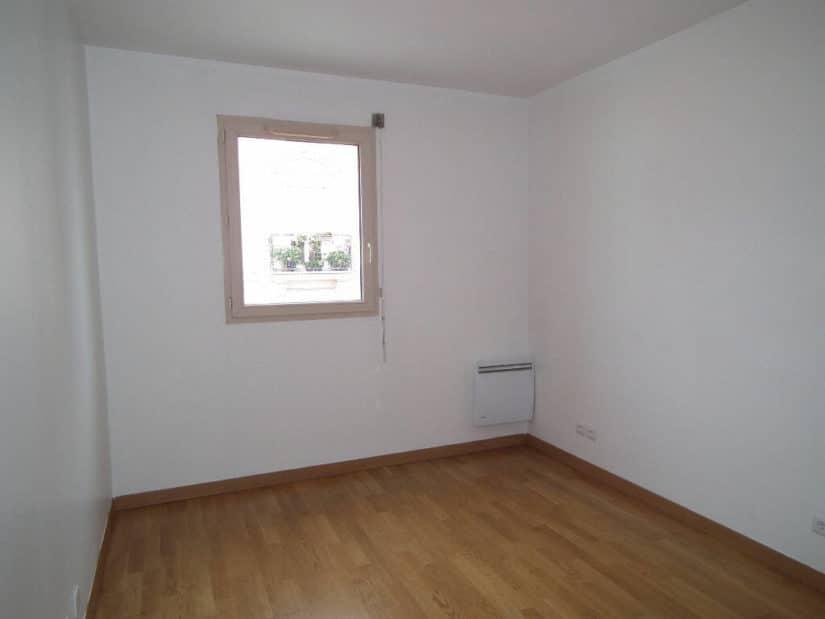 valerie immobilier alfortville: 3 pièces 55 m², chambre et sa fenêtre avec volet roulant manuel