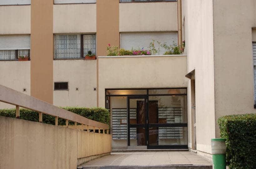 agence immobilière val de marne: studio 28 m², résidence avec gardien, 10 minutes du centre ville et du rer e de nogent-sur-marne
