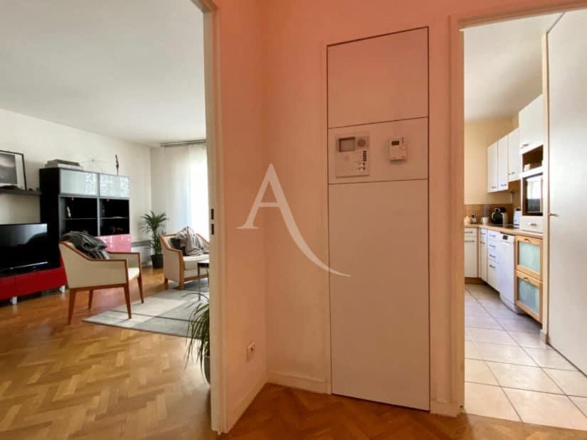 estimation appartement charenton: 2 pièces 52 m² bien agencé, cuisine séparée