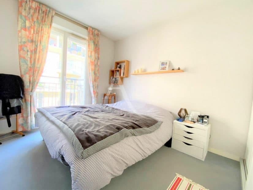 estimer appartement charenton: 2 pièces 52 m², chambre à coucher lumineuse