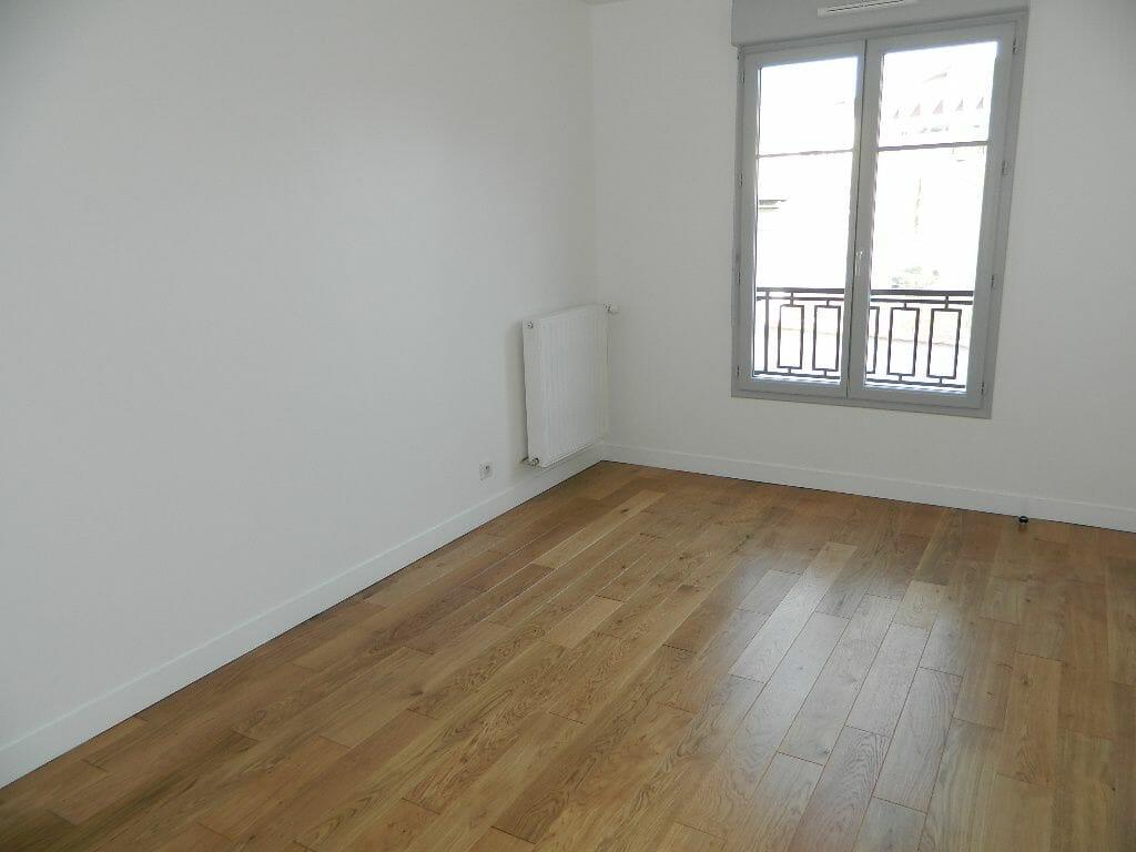 agence immobilière 94 - maisons-alfort, 2 pièces, chambre 13,19 m² accès salle de bain