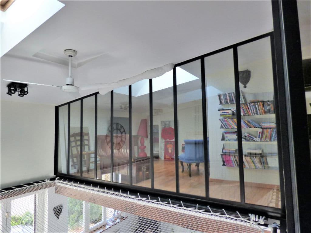 maison alfort stade: maison 5 pièces 102 m², vue séjour de l'étage avec filet suspendu