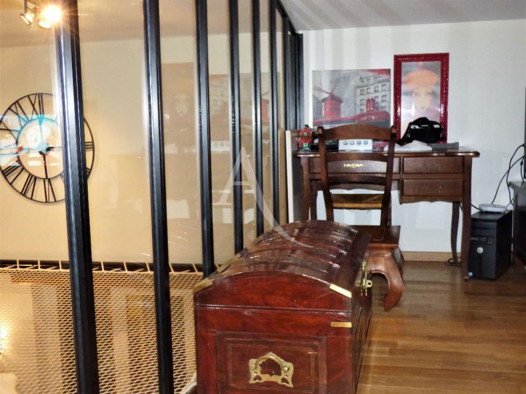 valerie immobilier maisons-alfort: maison 5 pièces 102 m², coin bureau aménagé sur le palier à l'étage