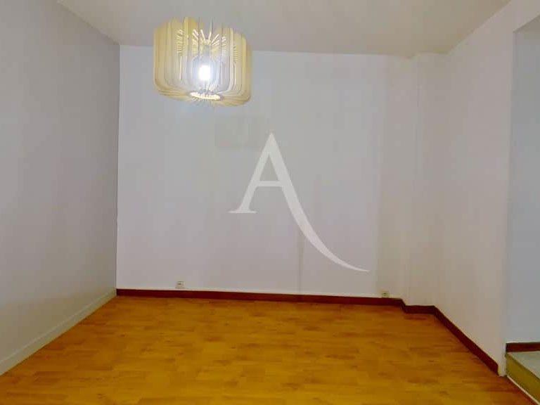 appartement location charenton le pont:  2 pièces 28 m², beau séjour avec cuisine séparée
