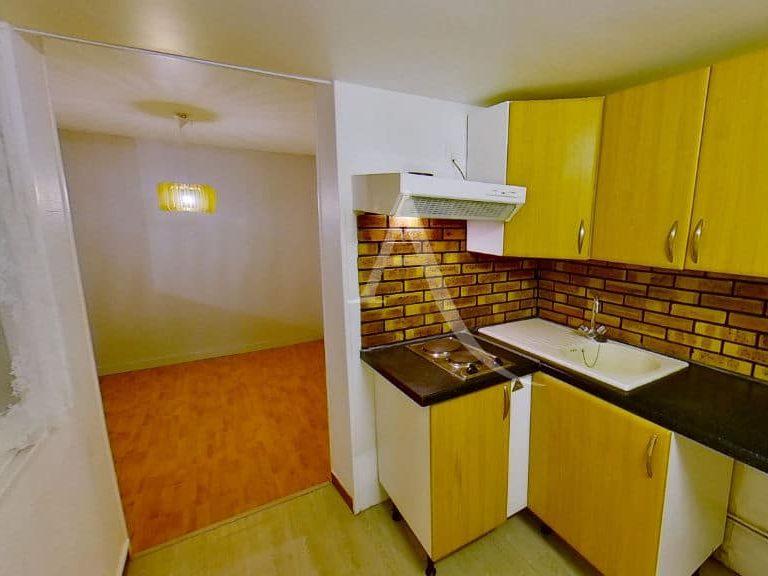 agence immobilière 94: appartement 2 pièces 28 m², cuisine indépendante séparée du séjour