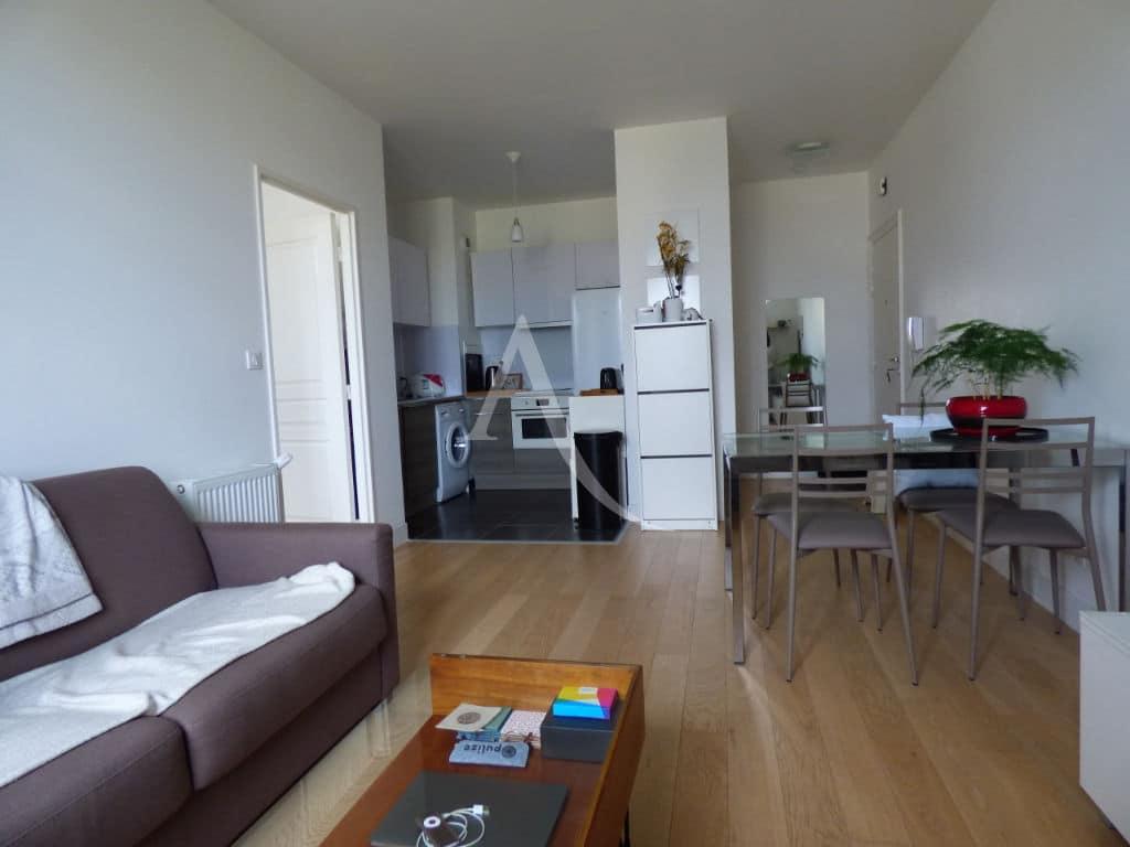 agence immobiliere maisons-alfort: appartement 2 pièces 42 m² meublé avec cuisine aménagée