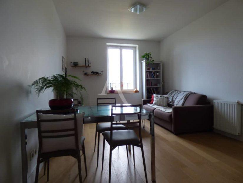 location appartement maison alfort:  2 pièces 42 m², séjour meublé