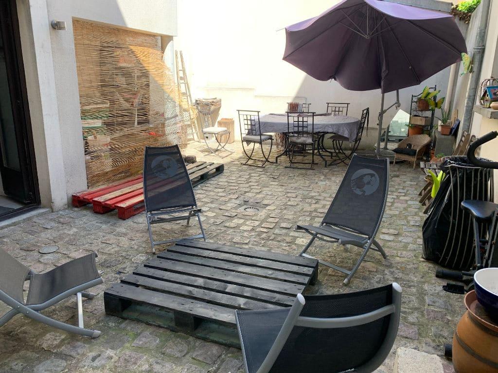 agence immo maisons-alfort - 190 m², cour intérieure pavée à l'ancienne