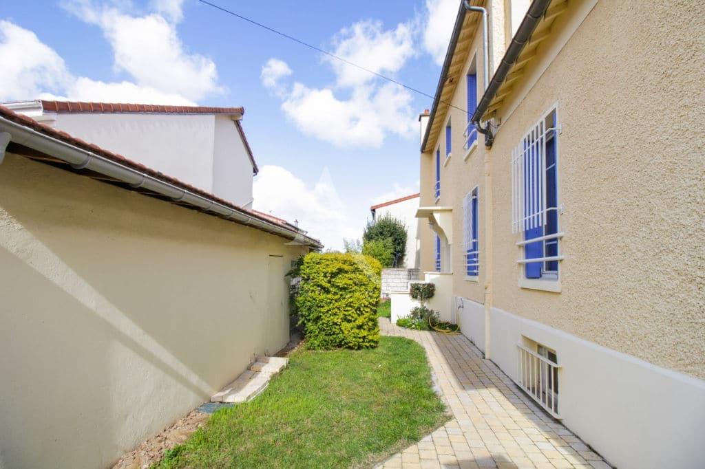 l'adresse valerie immobilier - maison 7 pièces 180 m² vitry sur seine - annonce 3108 - photo Im01