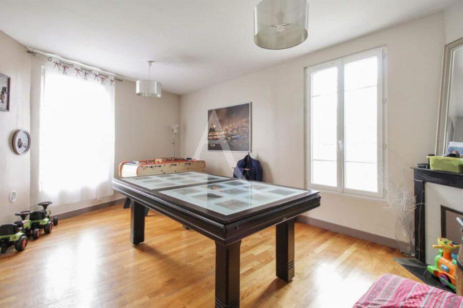 agence immobilière val de marne: maison 7 pièces 180 m² à vitry-sur-seine, belle pièce à vivre