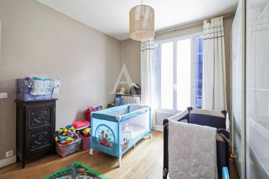 agence immobilière la maison: maison 7 pièces 180 m² à vitry-sur-seine, seconde chambre
