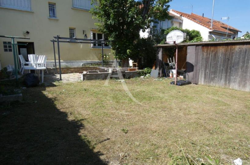 location maison dans le 94: 7 pièces 110 m², avec jardin 143 m², 2 emplacements voitures