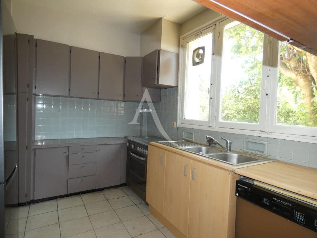 agence immobilière val de marne: maison 7 pièces 110 m², cuisine indépendante aménagée
