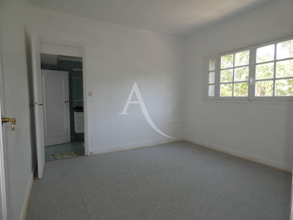 agence immobilière la maison: maison 7 pièces 110 m², seconde chambre avec accès salle de bains