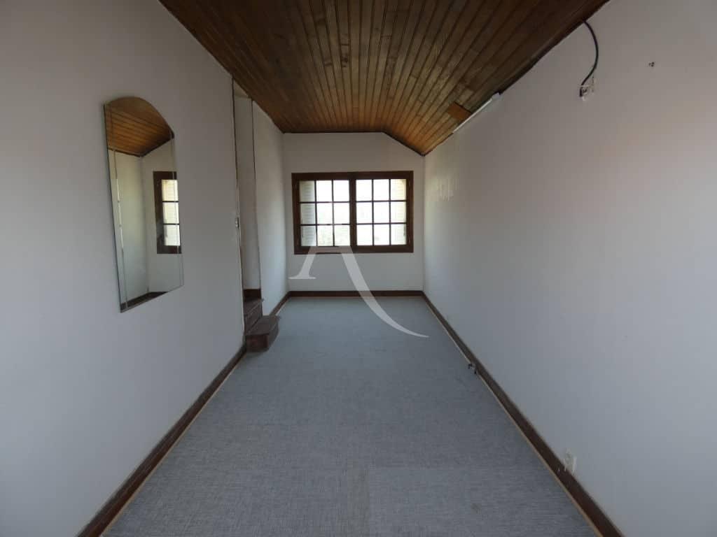 agence immobilière ouverte le samedi: maison 7 pièces 110 m², 1e étage : 4 chambres, salle de bains, wc, dégagement