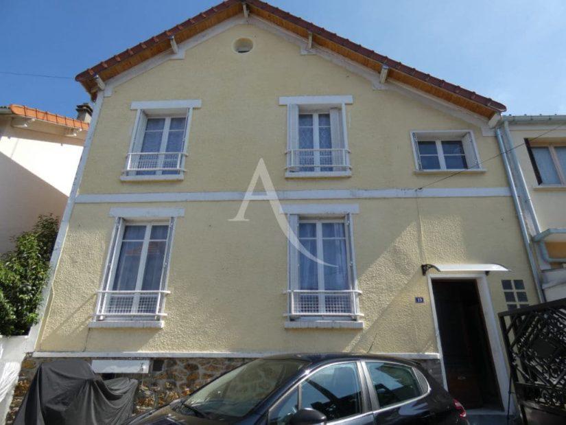 valerie immobilier: maison 7 pièces 110 m², façade coté rue