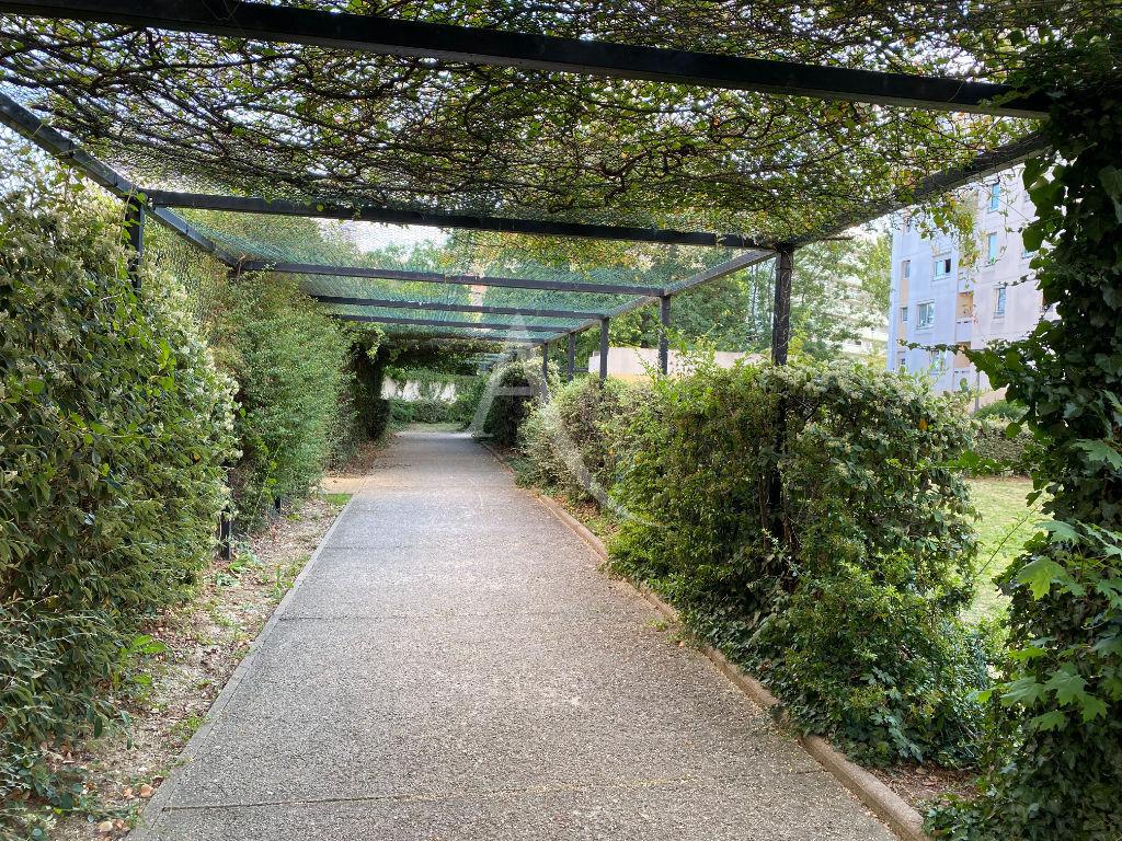 vente appartement maisons alfort: 3 pièces 69 m², résidence verdoyante, jardin en commun