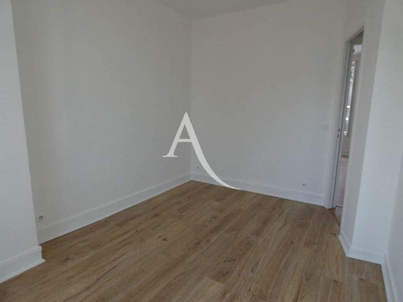 agence immobilière alfortville: 2 pièces 31 m², chambre avec fenêtre double vitrage