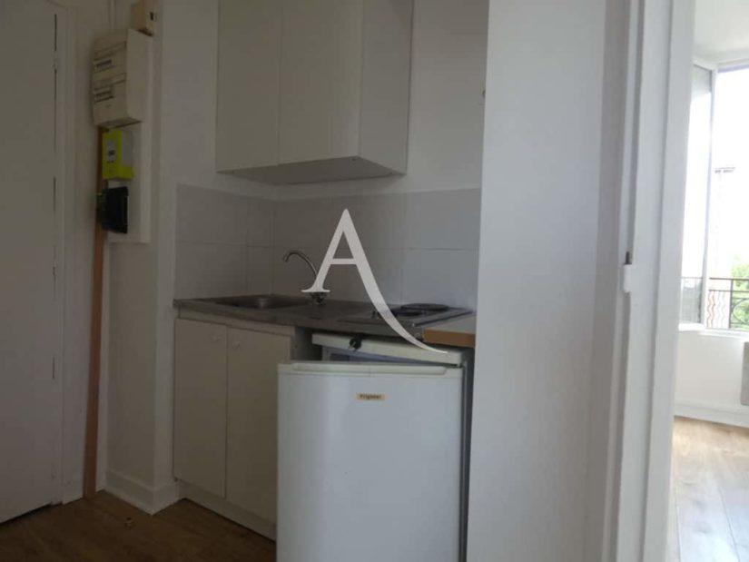 location appartement val de marne: appartement 2 pièces, entrée avec kitchinette