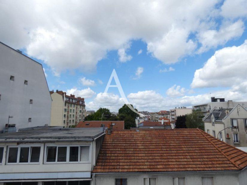 appartement alfortville: 2 pièces 31 m², vue du 3° étage dans petit immeuble ancien