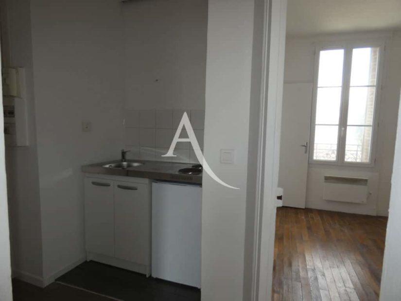 location appartement 94: 2 pièces 30 m², kitchinette avec 2 plaques électrique