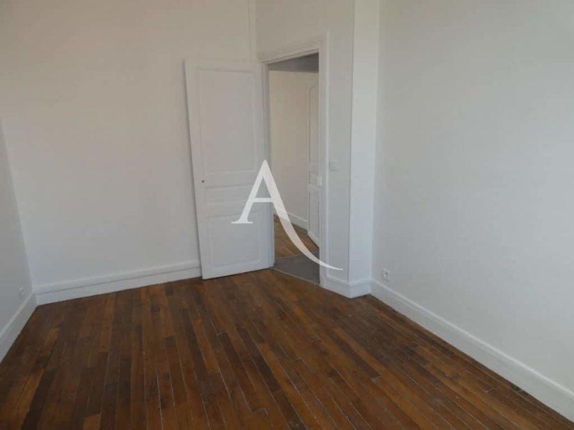 agence immobilière 94: appartement 2 pièces 30 m², chambre à coucher