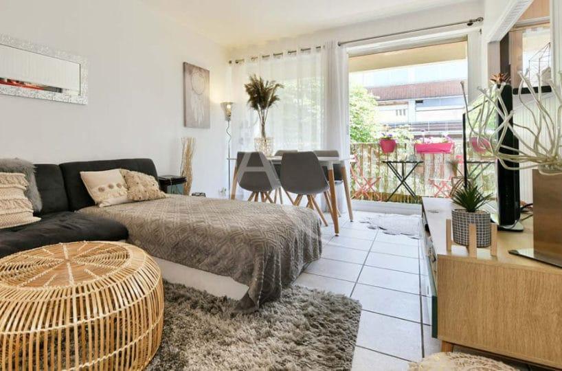 location appartement maisons alfort: 2 pièces 37 m² + terrasse, beau séjour clair
