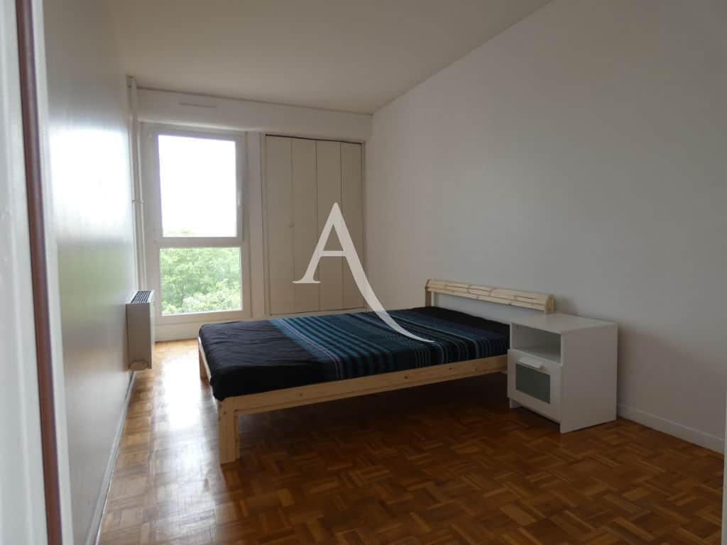 94 immobilier: appartement 4 pièces 88 m², première chambre avec placard intégré