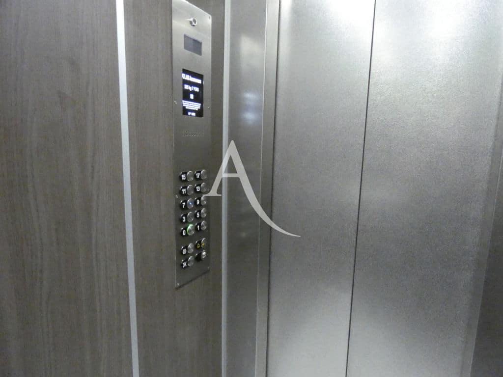 immobilier saint mande: appartement 4 pièces 88 m² au 7° étage avec grand ascenceur