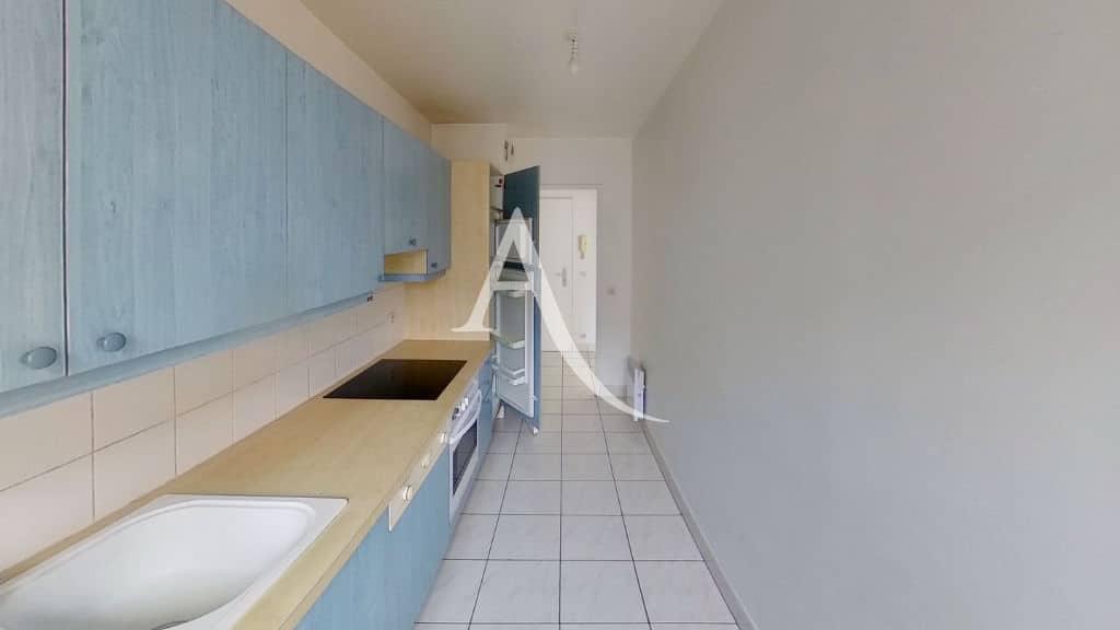 location appartement alfortville, 3 pièces 62 m², cuisine aménagée indépendante