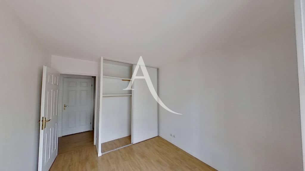 immo alfortville: appartement à louer 3 pièces 62 m², chambre avec placards intégrés