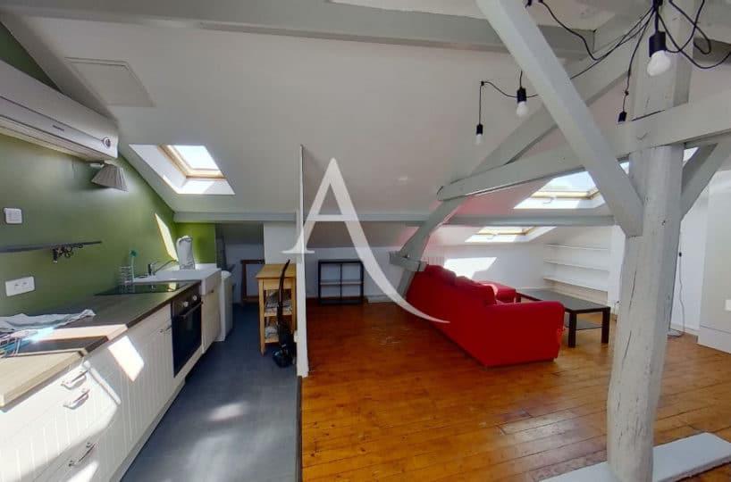 agence immobiliere alfortville: studio 24 m² plein de charme, sous les toits d'une copropriété bien tenue, refait à neuf