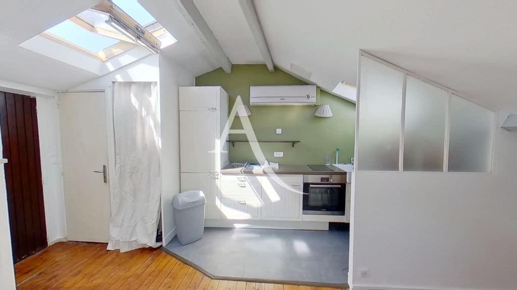 immobilier a louer: alfortville, studio, cuisine avec four encastrable, plaque vitrocéramique, hotte, lave linge