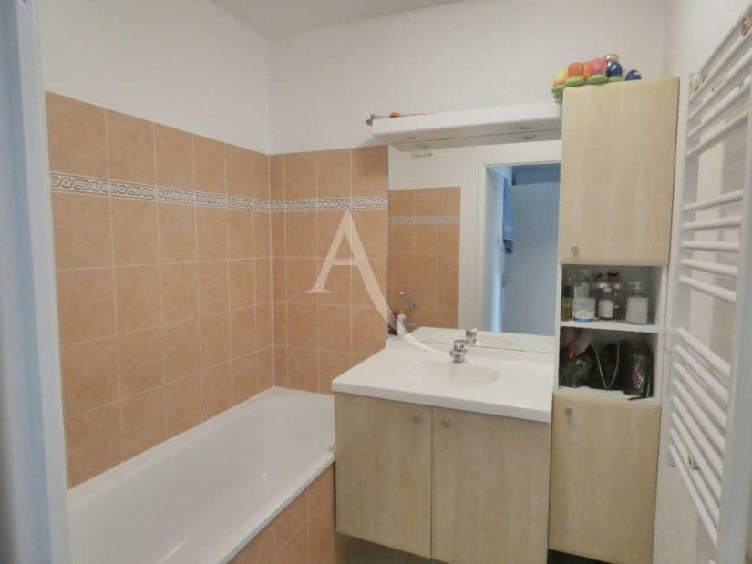 achat appartement alfortville: 3 pièces 68 m², salle de bain avec baignoire