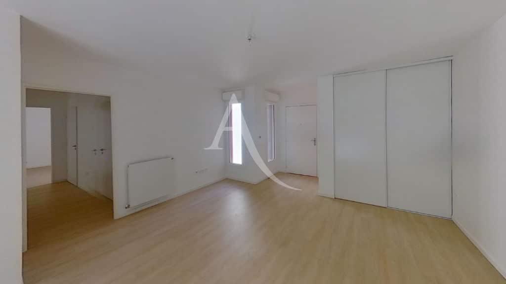 agence immobilière val de marne: appartement 3 pièces 69 m², grand séjour avec placard, neuf et spacieux