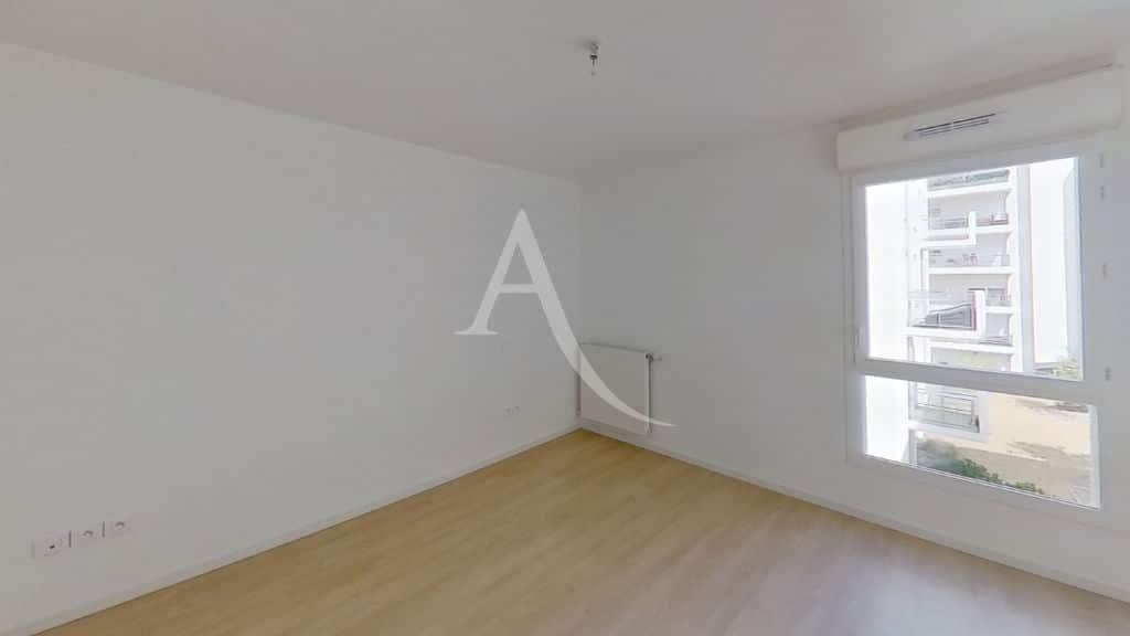 agence immobiliere 94: 3 pièces neuf et spacieux 69 m², 1° chambre lumineuse, volet roulant électrique