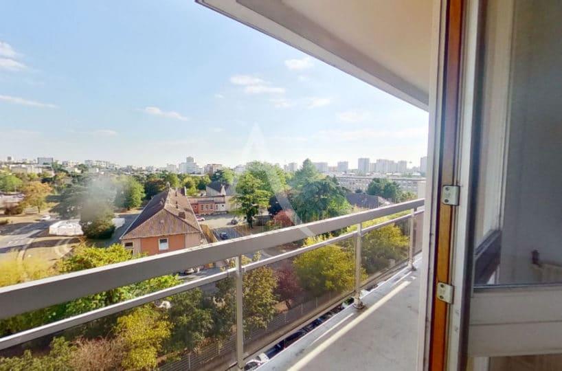 l adresse immobilier 94, vend appartement 4 pièces 95 m² avec balcon vue dégagée au 5e étage